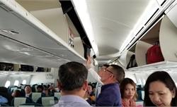 Cấm mang thiết bị chứa pin Lithium lỗi lên máy bay
