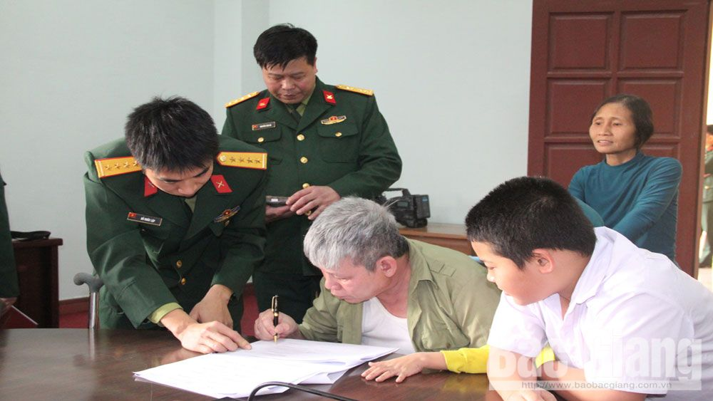Thực hiện văn hóa công sở trong lực lượng vũ trang tỉnh Bắc Giang: Rèn tác phong, nâng ý thức trách nhiệm