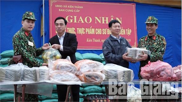 Hội đồng cung cấp huyện Lục Ngạn bàn giao lương thực, thực phẩm phục vụ diễn tập