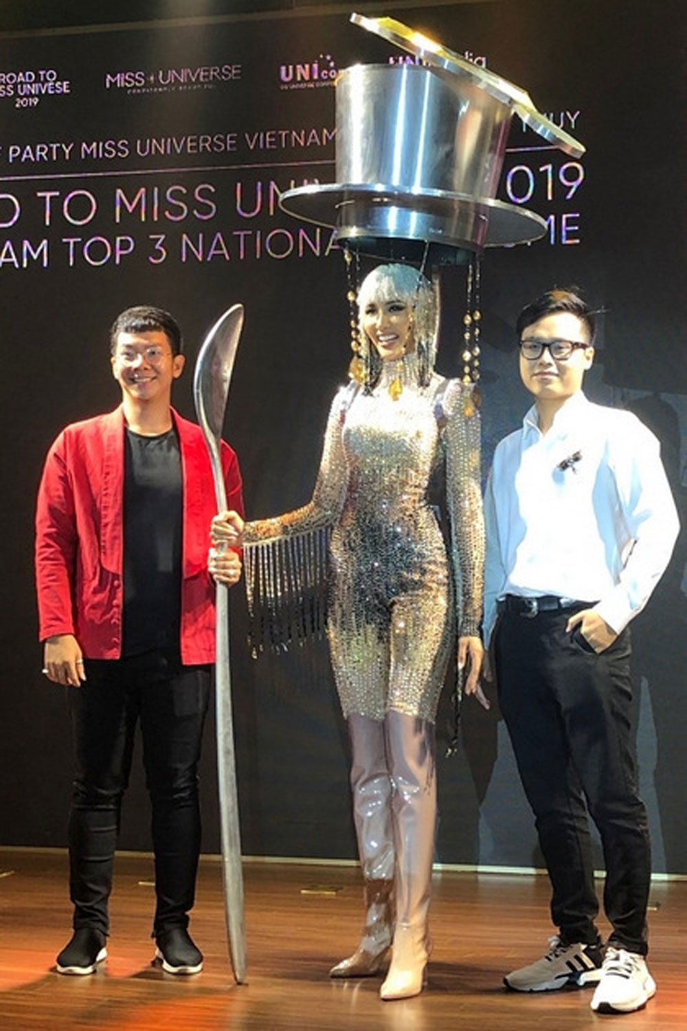 Vietnamese beauty, don filter coffee-inspired costume, Miss Universe pageant