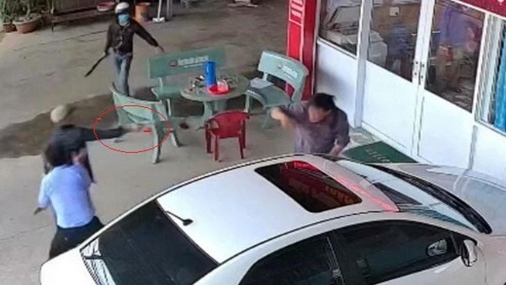 Rút súng bắn chủ nợ, phòng công chứng, Nguyễn Văn Nhiên