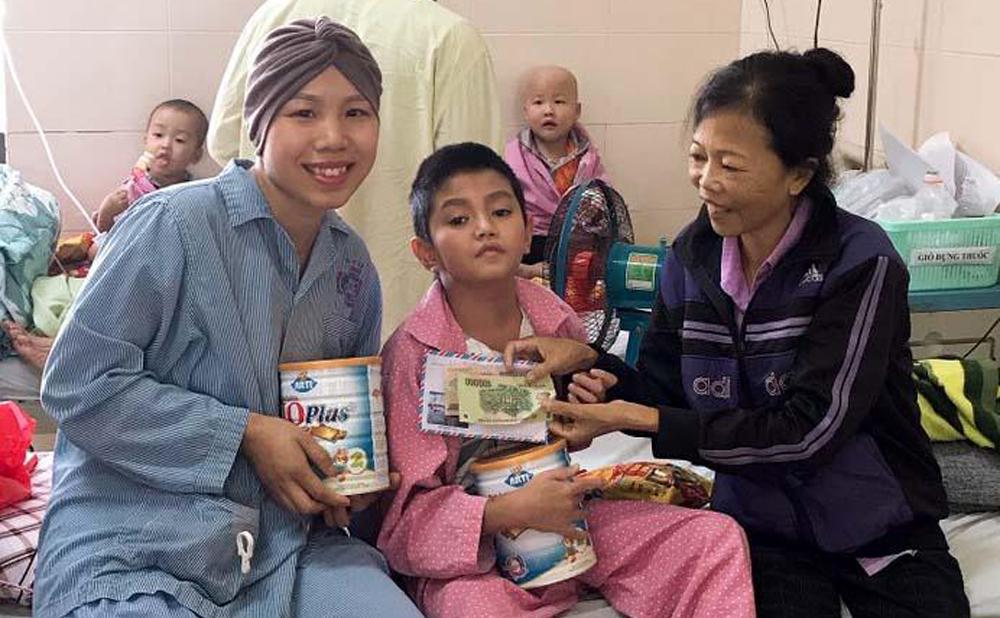 Trần Kim Oanh (SN 1986), quê ở thôn Chớp, xã Lương Phong, huyện Hiệp Hòa, tỉnh Bắc Giang, ung thư vú