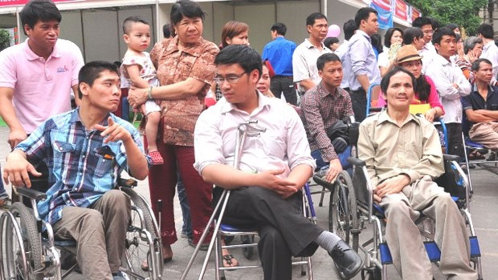 7,000 disabled, 20th camp festival, Ho Chi Minh City, charity festival, puppet shows,  outstanding citizens