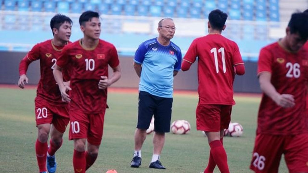 football teams, SEA Games 30, gold medals, coach Park Hang-seo, intensive training camp,  round robin format, goal difference