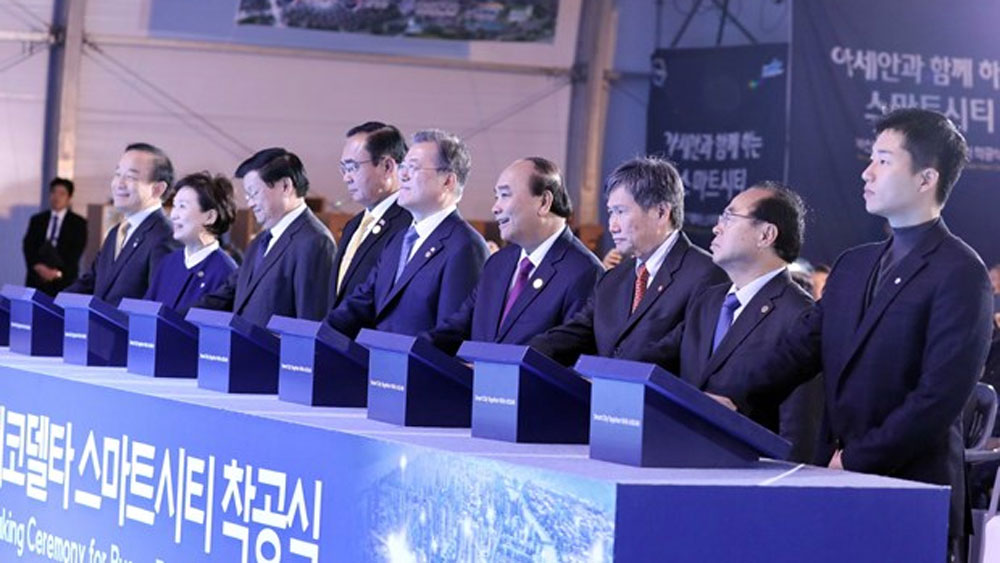 PM Nguyen Xuan Phuc, groundbreaking ceremony, smart city, Busan, Eco Delta City, key national project,  natural disasters, climate change
