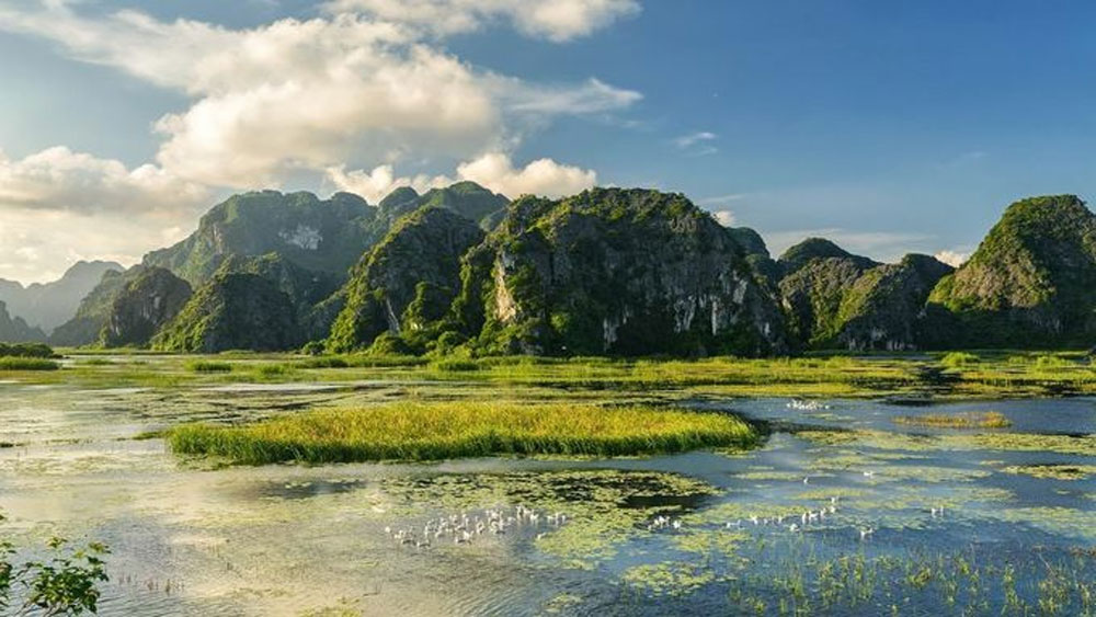 No wave bay: a Ninh Binh ripple