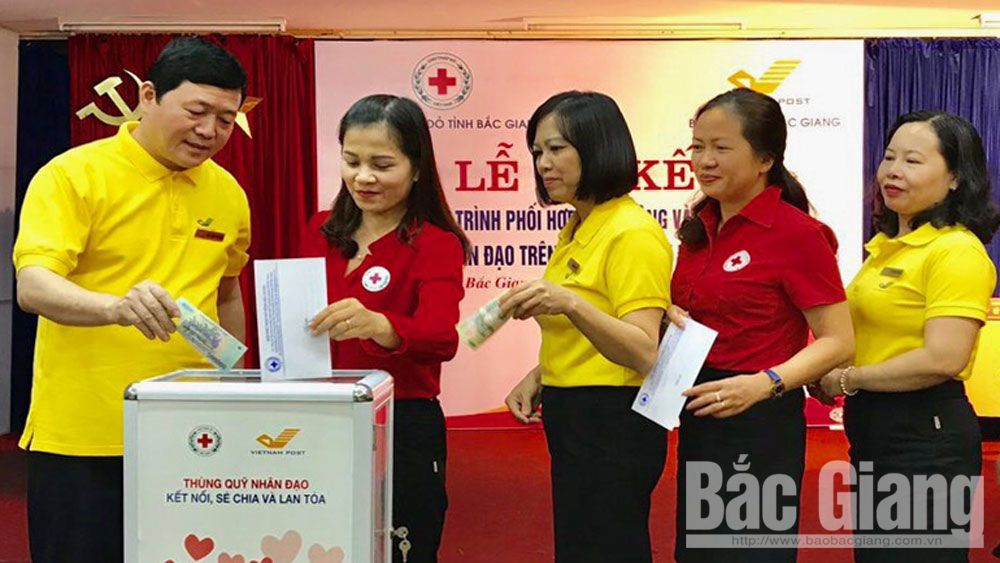 Humanitarian box, Bac Giang province, humanity in society, Red Cross Society, meaningful activity, needy cases
