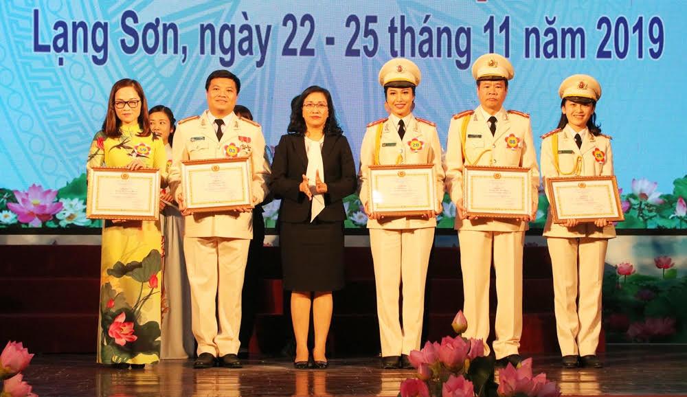 Thí sinh Lê Thành Văn (Bắc Giang) đoạt giải Ba hội thi báo cáo viên giỏi khu vực I năm 2019