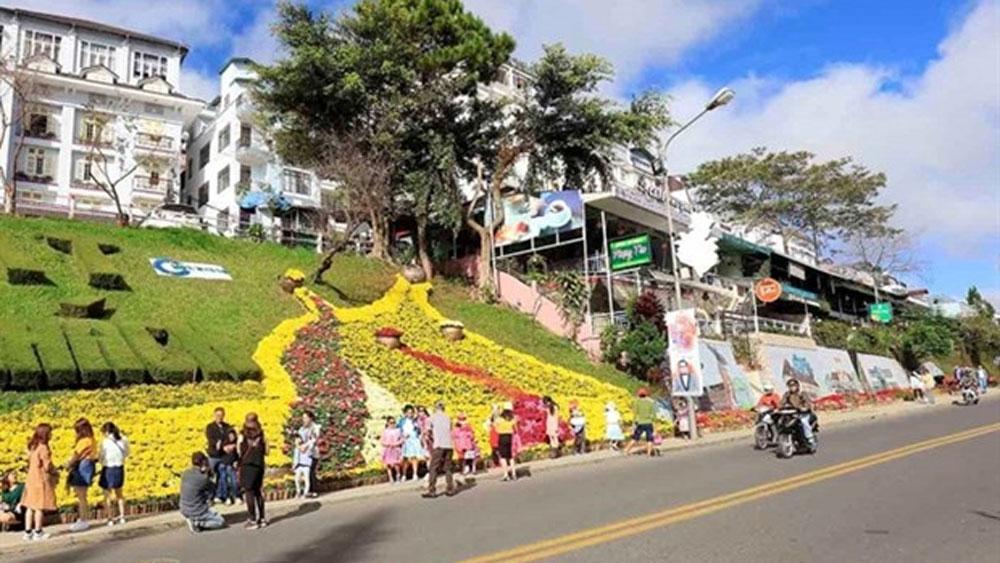 Da Lat, flower festival, Da Lat Flower Festival, biennial festival, local landscapes, Lam Dong Tea, Silk Culture Week
