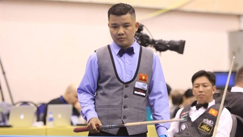 Vietnamese cueists win first match at three cushion billiard world event