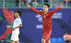 Clip: Hùng Dũng phá bẫy việt vị nâng tỷ số lên 3-0 cho đội tuyển Việt Nam