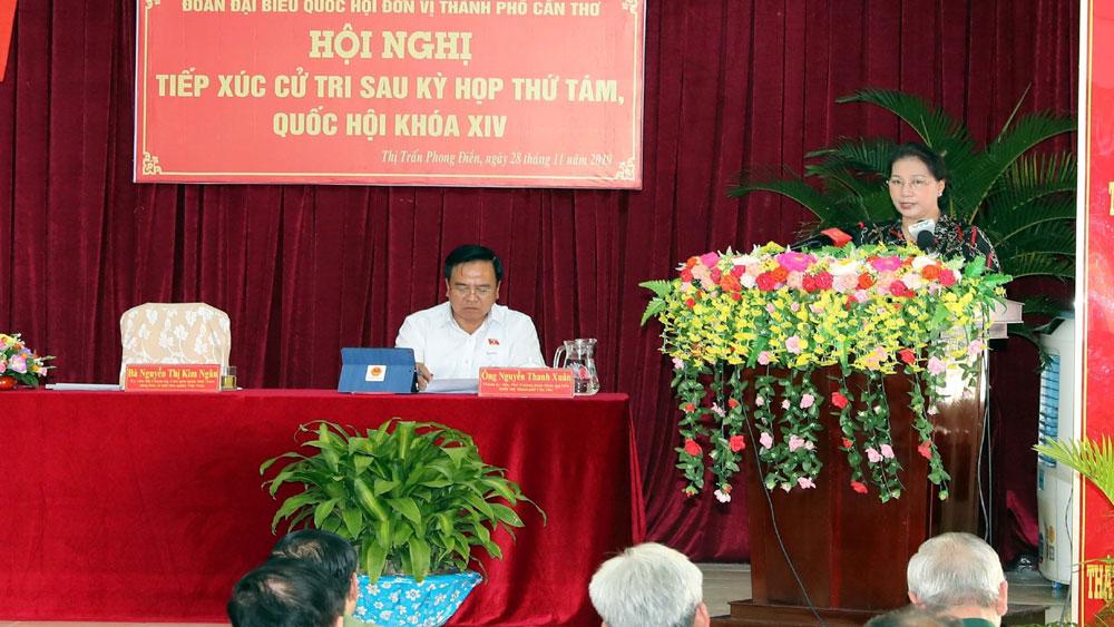 Chủ tịch Quốc hội Nguyễn Thị Kim Ngân tiếp xúc cử tri thị trấn Phong Điền, Cần Thơ