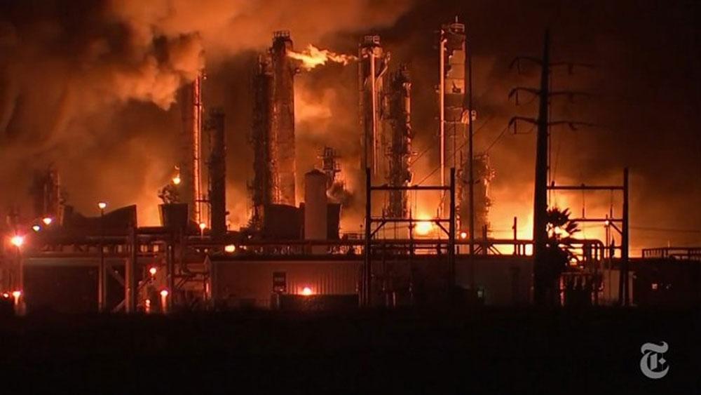Mỹ, Hỏa hoạn, vụ nổ nhà máy hóa chất ở Texas,