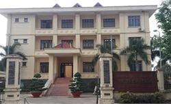 Miễn nhiệm Chủ tịch HĐND thị xã Gia Nghĩa, tỉnh Đắk Nông vì không có bằng đại học