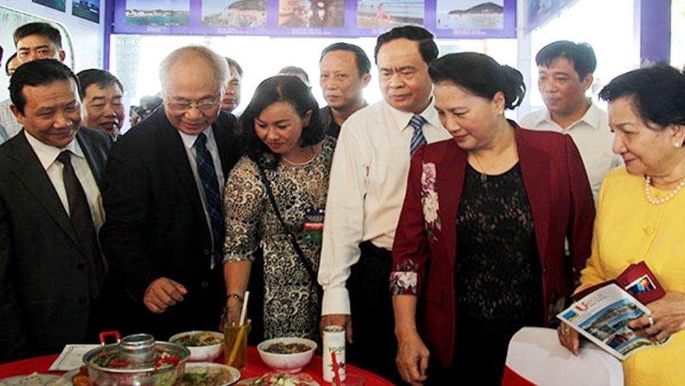 Chủ tịch Quốc hội Nguyễn Thị Kim Ngân dự khai mạc Hội chợ du lịch quốc tế Cần Thơ 2019