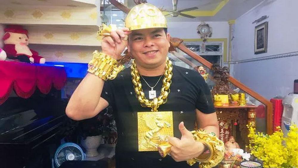 Truy tố Phúc XO, người đeo nhiều vàng nhất Việt Nam, Báo Bắc Giang, Bắc Giang, Trần Ngọc Phúc,  karaoke XO Pharaon