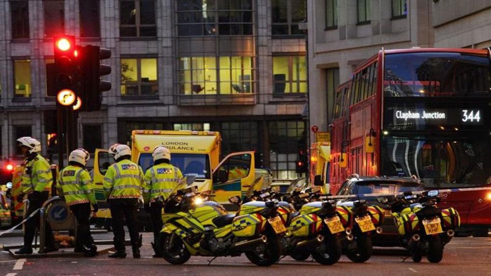Anh, Cảnh sát, xác nhận, vụ tấn công khủng bố bằng dao