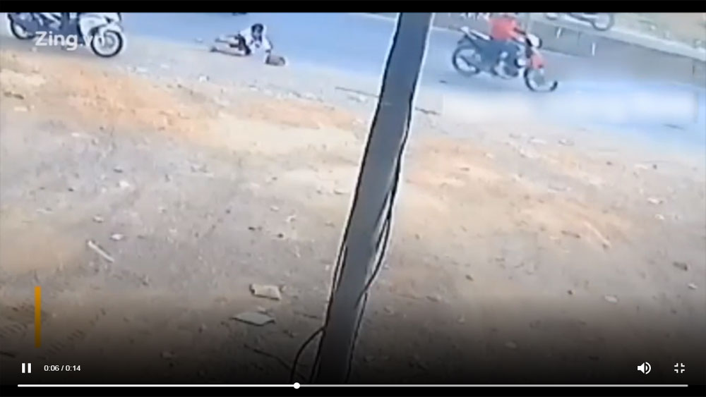 Đồng Nai: Lại xảy ra bật cửa cốp ô tô đưa đón làm hai học sinh văng xuống quốc lộ
