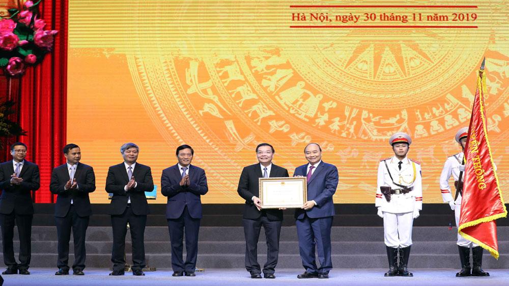 Thủ tướng Nguyễn Xuân Phúc dự Lễ kỷ niệm 60 năm thành lập Bộ Khoa học và Công nghệ và trao tặng Huân chương Lao động hạng Nhất
