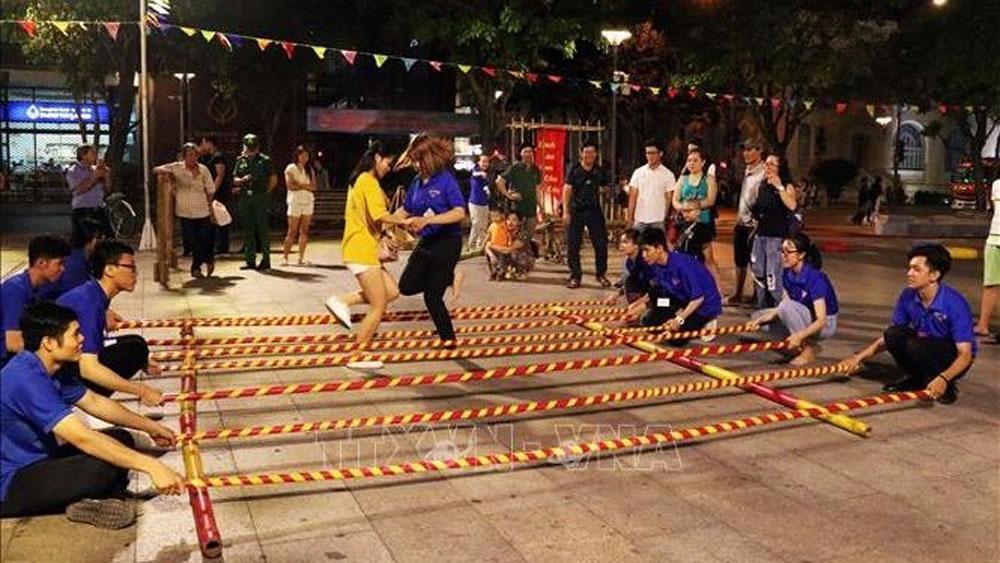 Festival, HCM City, integration and development achievements, Nguyen Hue Pedestrian Street, international friends, dynamism and vitality