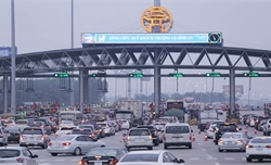 """Dịp Tết, các trạm thu phí phải """"xả trạm"""" nếu xảy ra ùn tắc kéo dài"""
