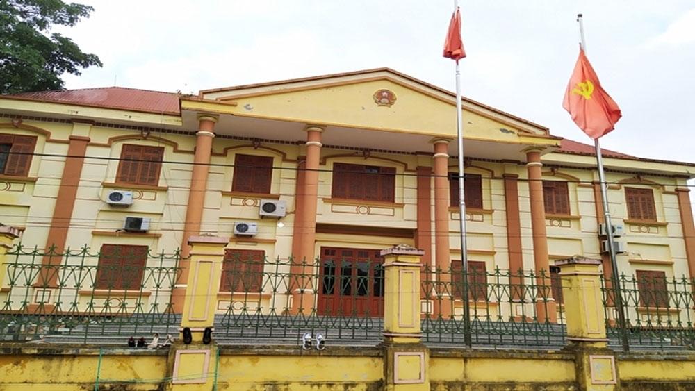 Chánh Văn phòng TAND huyện Cao Phong, 26 năm , trốn truy nã, Nguyễn Quang Huy