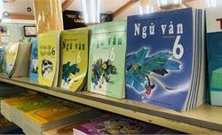 Mỗi trường thành lập một hội đồng để lựa chọn sách giáo khoa mới