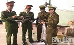 Công an Bắc Giang thu giữ 500 gói bưu phẩm chứa linh kiện súng hơi