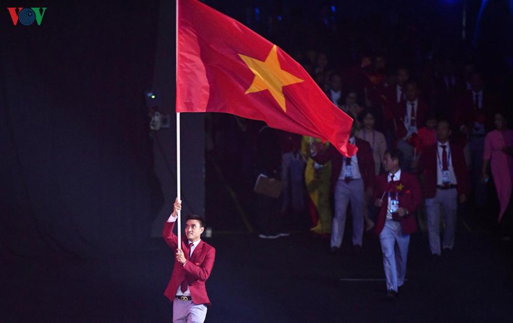 Ngày thi đấu chính thức thứ ba SEA Games 30, lịch thi đấu ngày thi đấu chính thức thứ ba SEA Games 30, SEA Games 30, Đoàn Thể thao Việt Nam, tiếp nối cơn mưa vàng, Đoàn Thể thao Việt Nam