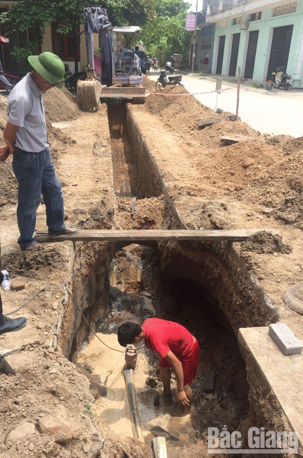 Khắc phục tình trạng tắc hệ thống thoát thải tại khu dân cư số 3, TP Bắc Giang