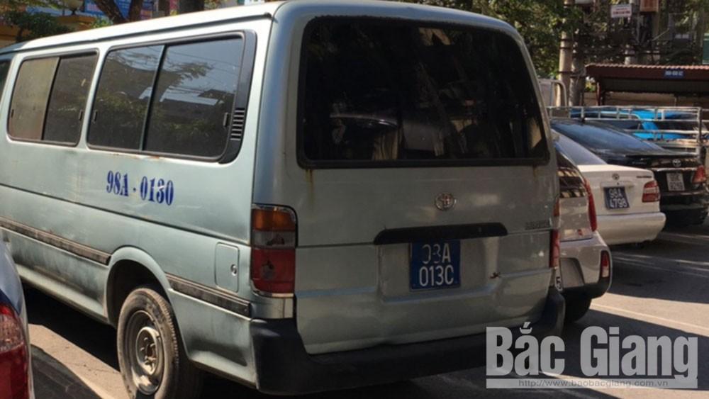 Xe ô tô hết hạn đăng kiểm đang bị tạm giữ tại Phòng Cảnh sát giao thông - Công an tỉnh.