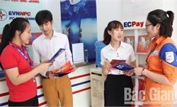 Thanh toán tiền điện không dùng tiền mặt: Tạo thuận lợi cho khách hàng