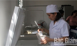 Tiêm chủng dịch vụ: Bảo đảm nghiêm ngặt quy trình và chất lượng vắc-xin