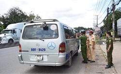 Vụ xe đưa rước làm rơi học sinh: Tài xế sử dụng giấy phép lái xe giả
