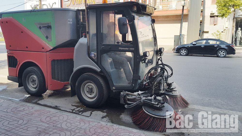 TP Bắc Giang thử nghiệm máy quét rác đường phố