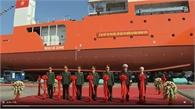 Đại tướng Ngô Xuân Lịch nhấn nút phát lệnh hạ thủy tàu cứu nạn tàu ngầm đa năng