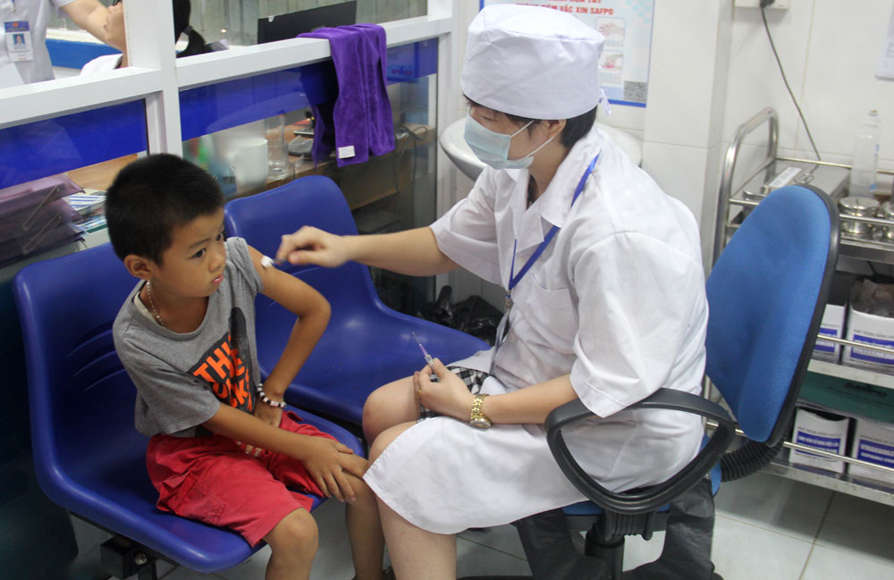 On-demand vaccination service, strict process, vaccine quality, Bac Giang province, preservation standards, health care, vaccination service providers