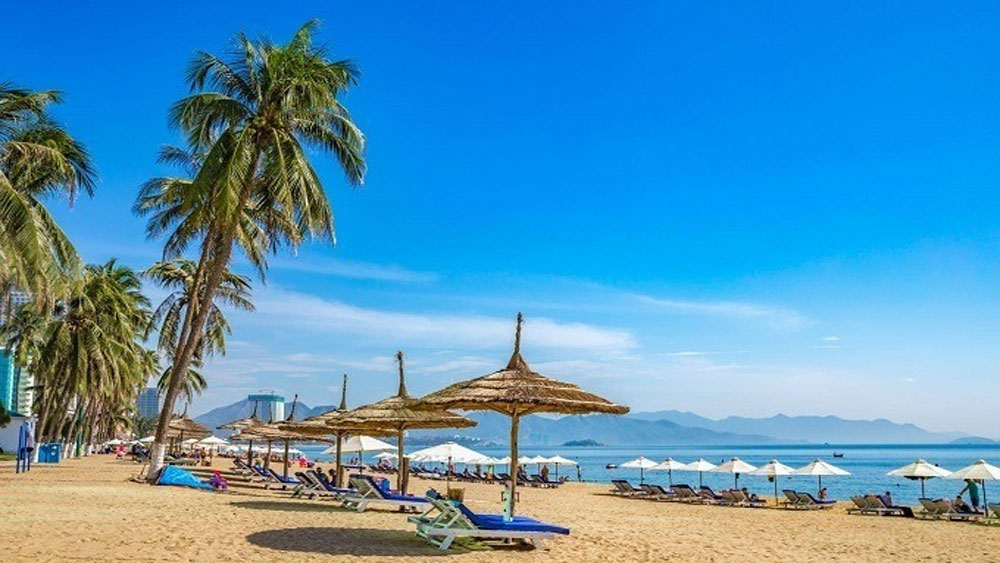 Bells toll as Hanoi, Nha Trang named top honeymoon destinations