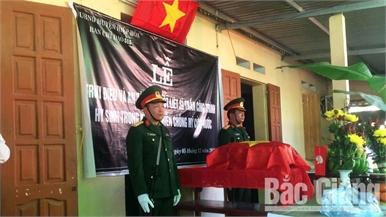 Tổ chức trang trọng lễ truy điệu và an táng hài cốt liệt sĩ Trần Công Trình