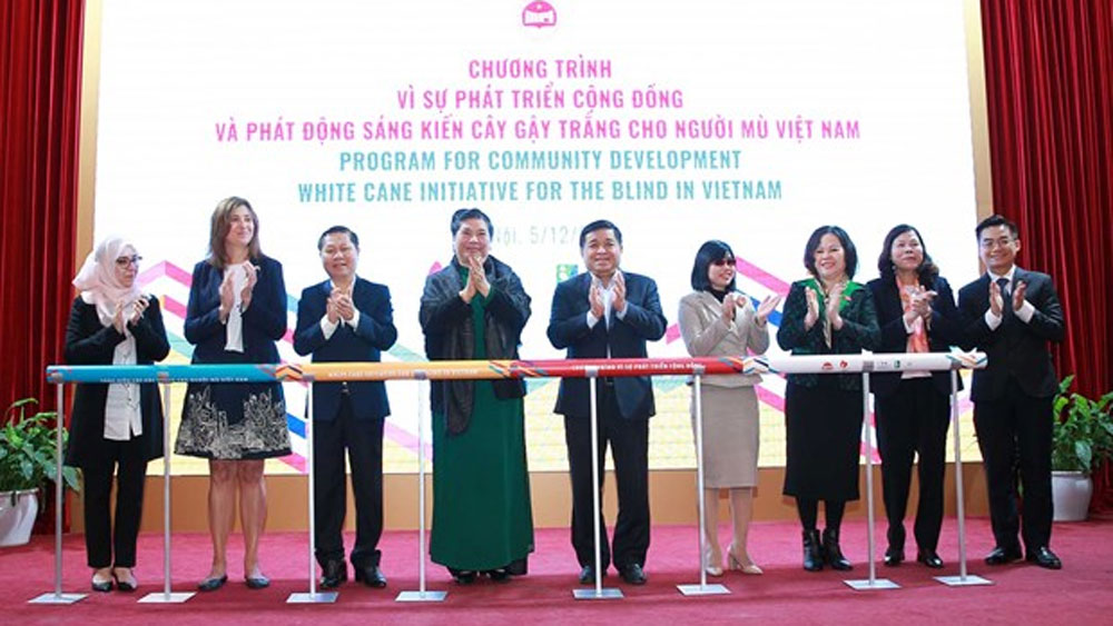 Vietnam, white cane programme, blind people, visually-impaired people, most vulnerable groups, Communication campaigns