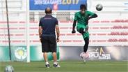 HLV Park tập riêng cho thủ môn Bùi Tiến Dũng