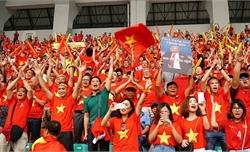 """Nửa đêm, hàng ngàn người đòi đi Philippines, """"cháy"""" tour cổ vũ đội tuyển"""