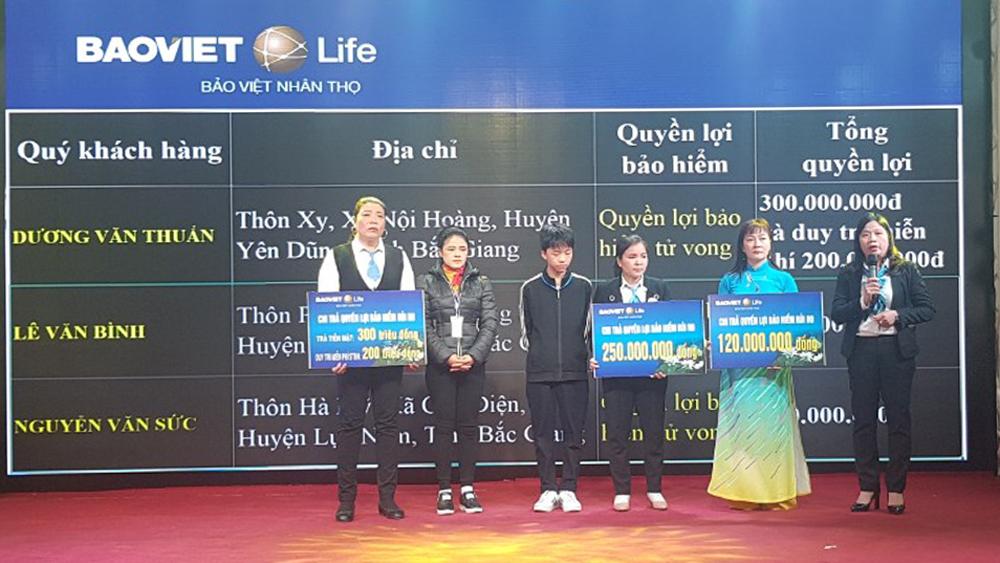 BVNT Bắc Giang chi trả 750 triệu đồng quyền lợi bảo hiểm