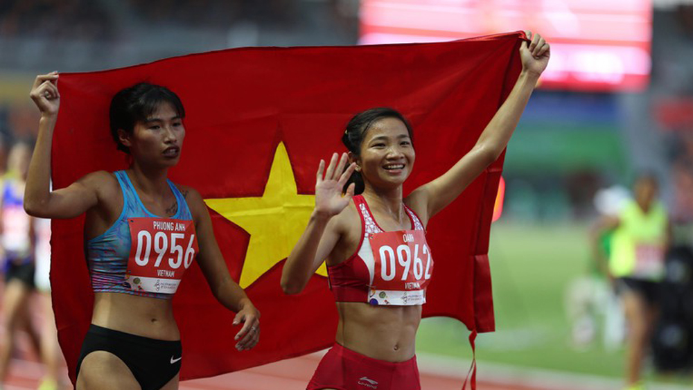 Bac Giang's athlete Nguyen Thi Oanh wins gold at 1500 meter run at 30th Sea Games
