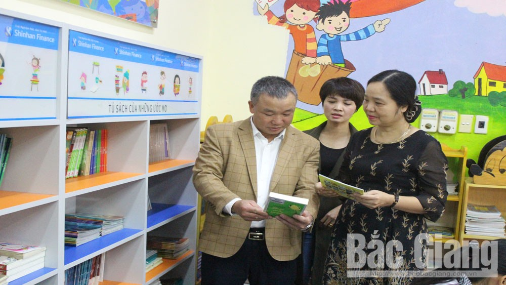 Bac Giang province, grassroots-level libraries, reading culture, working delegation, fact-finding tour, knowledge and spiritual life, Bac Giang provincial Library