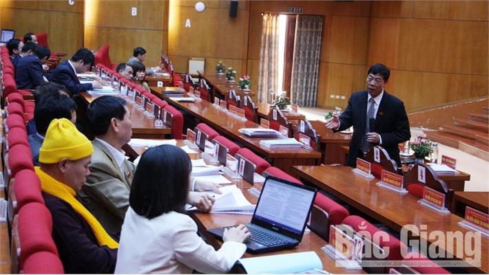 Kỳ họp thứ 9 HĐND tỉnh Bắc Giang: Thảo luận tại tổ, đại biểu chỉ rõ tình trạng buông lỏng quản lý ở cấp xã