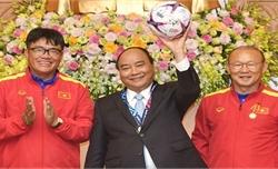 Thủ tướng Nguyễn Xuân Phúc gửi tin nhắn động viên thầy trò HLV Park Hang Seo