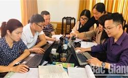 Chọn sách giáo khoa lớp 1 năm học 2020-2021: Giáo viên và phụ huynh gặp khó