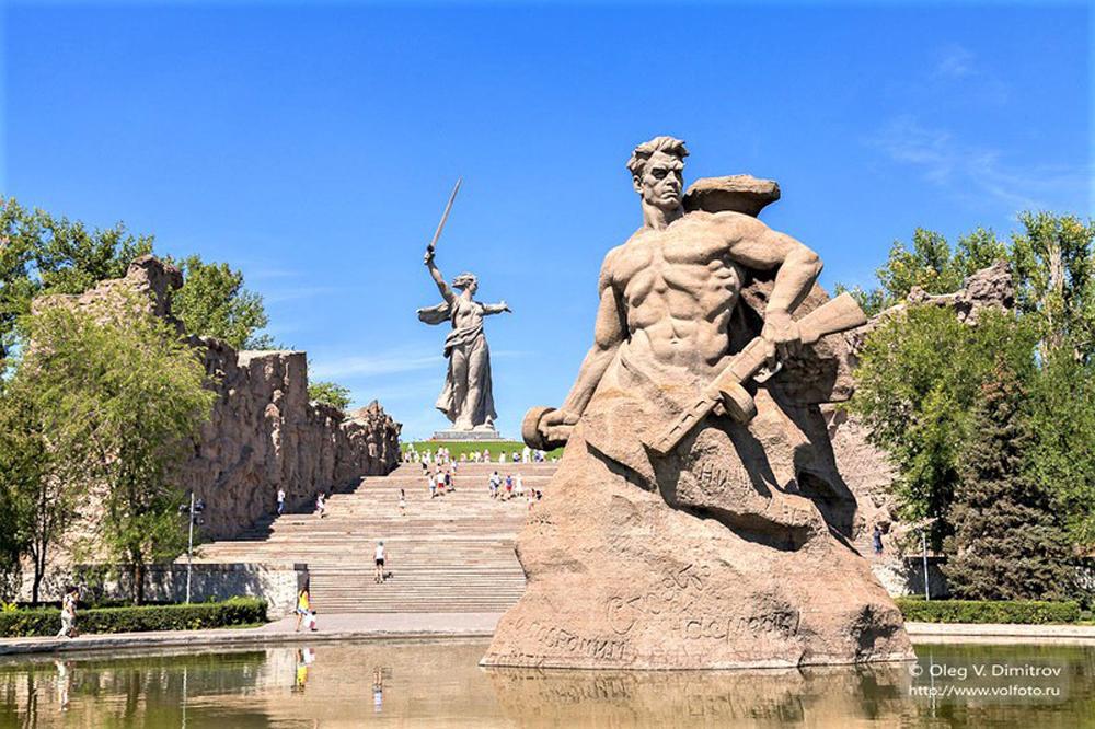 Nguyên soái Liên Xô, Vasily Ivanovich Chuykov, hai lần anh hùng, Liên xô, Thứ trưởng Bộ Quốc phòng Liên Xô, Tướng tấn công