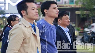 Người dân háo hức cổ vũ đội tuyển U22 Việt Nam